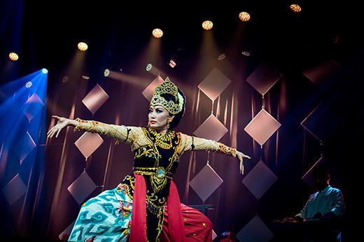 Indonesiska SambaSunda under lördagens galakonsert på Førdehuset.