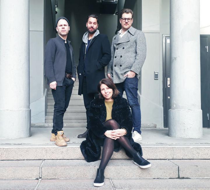 Vivian Buczek och Martin Sjöstedt Trio i en paus under inspelningarna av skivan Ella lives.