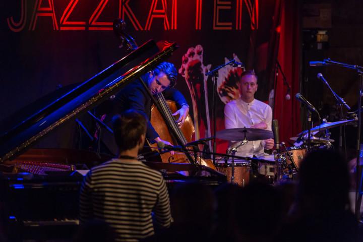 P2 Jazzkatten 2018  Live: Joel Lyssarides Trio Programledare: Bo SundströmP2 Sveriges Radio Foto: Mattias Ahlm/Sveriges Radio